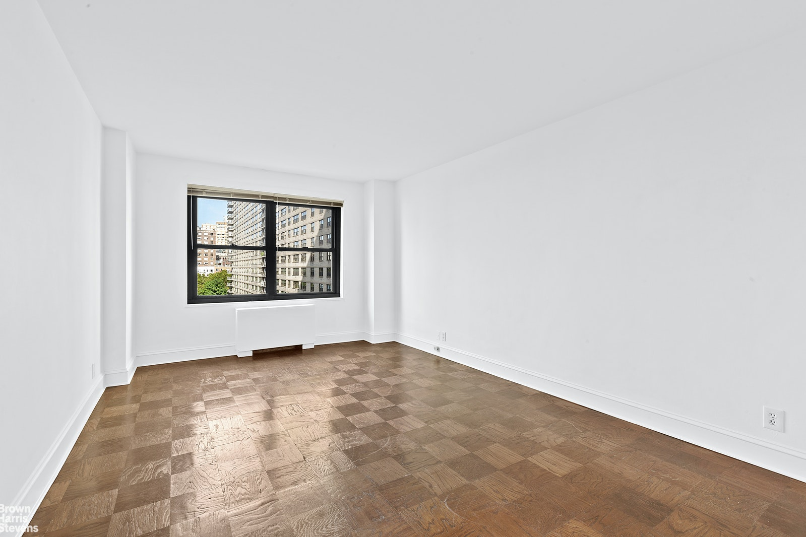 142 West End Avenue 10M, Upper West Side, NYC, $740,000, Web #: 20373938