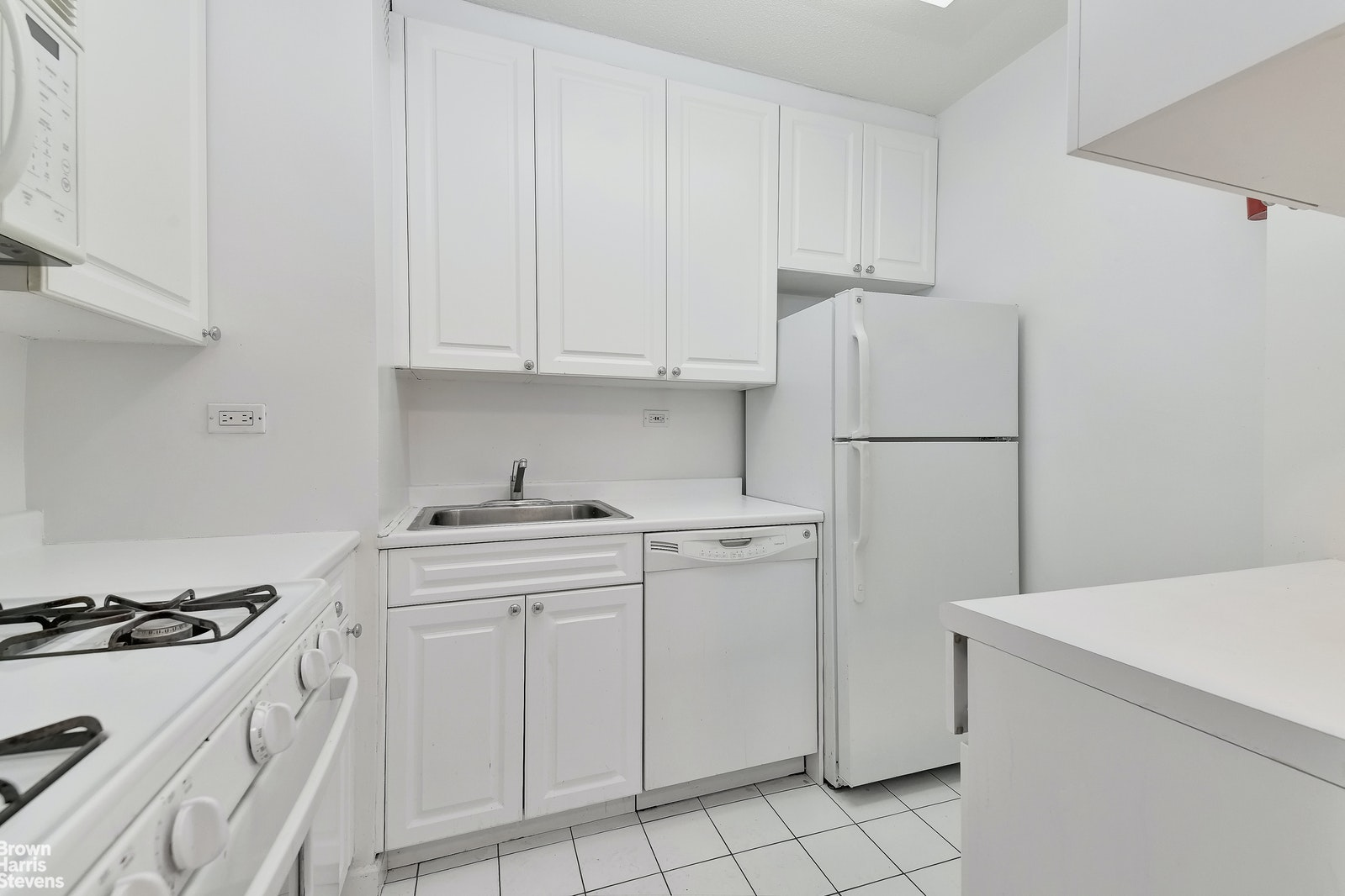 300 East 40th Street 20w, Midtown East, NYC, 10016, $799,000, Property For Sale, Halstead Real Estate, Photo 4