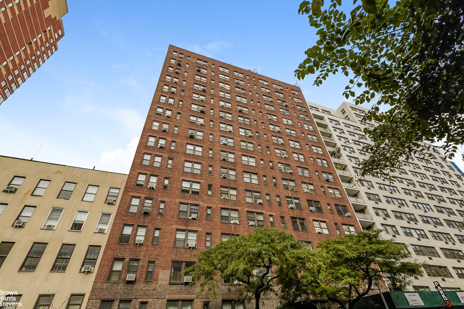 457 West 57th Street 715, Midtown West, NYC, $1,600, Web #: 20393471
