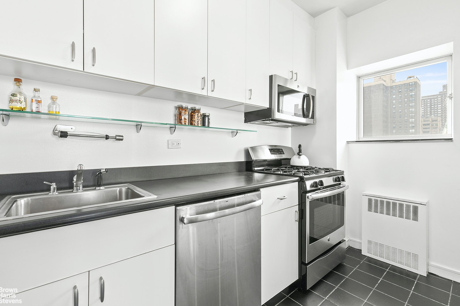 360 East 88th Street 11c, Upper East Side, NYC, 10128, $895,000, Property For Sale, Halstead Real Estate, Photo 4