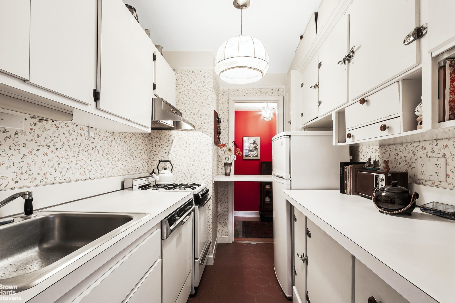 155 East 49th Street 10A, Midtown East, NYC, $399,000, Web #: 20460529