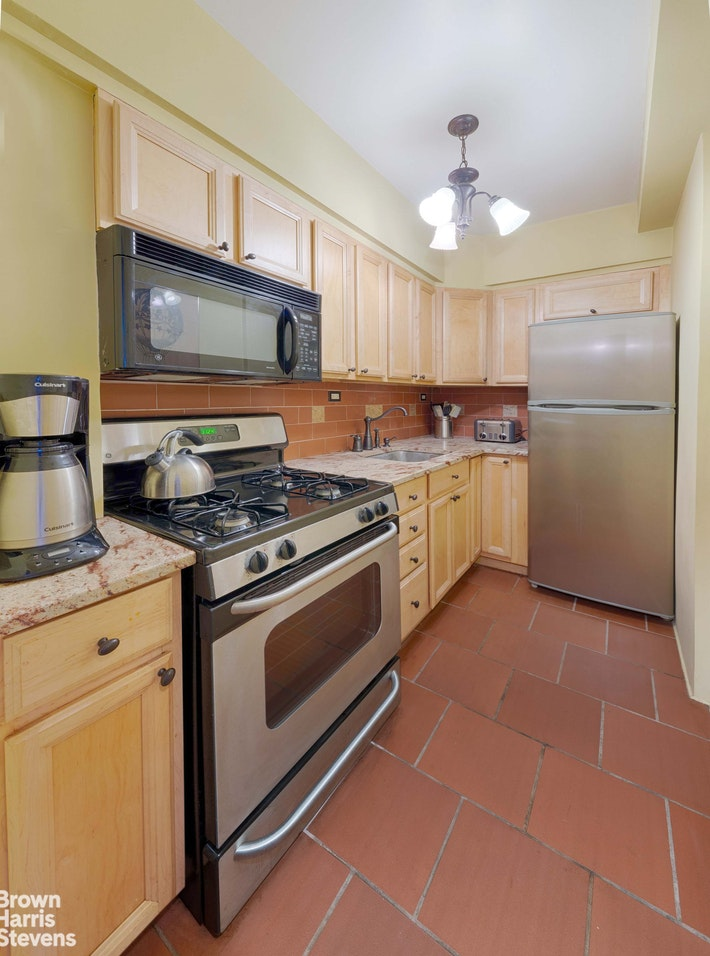 305 East 72nd Street 5f, Upper East Side, NYC, 10021, $649,000, Property For Sale, Halstead Real Estate, Photo 3