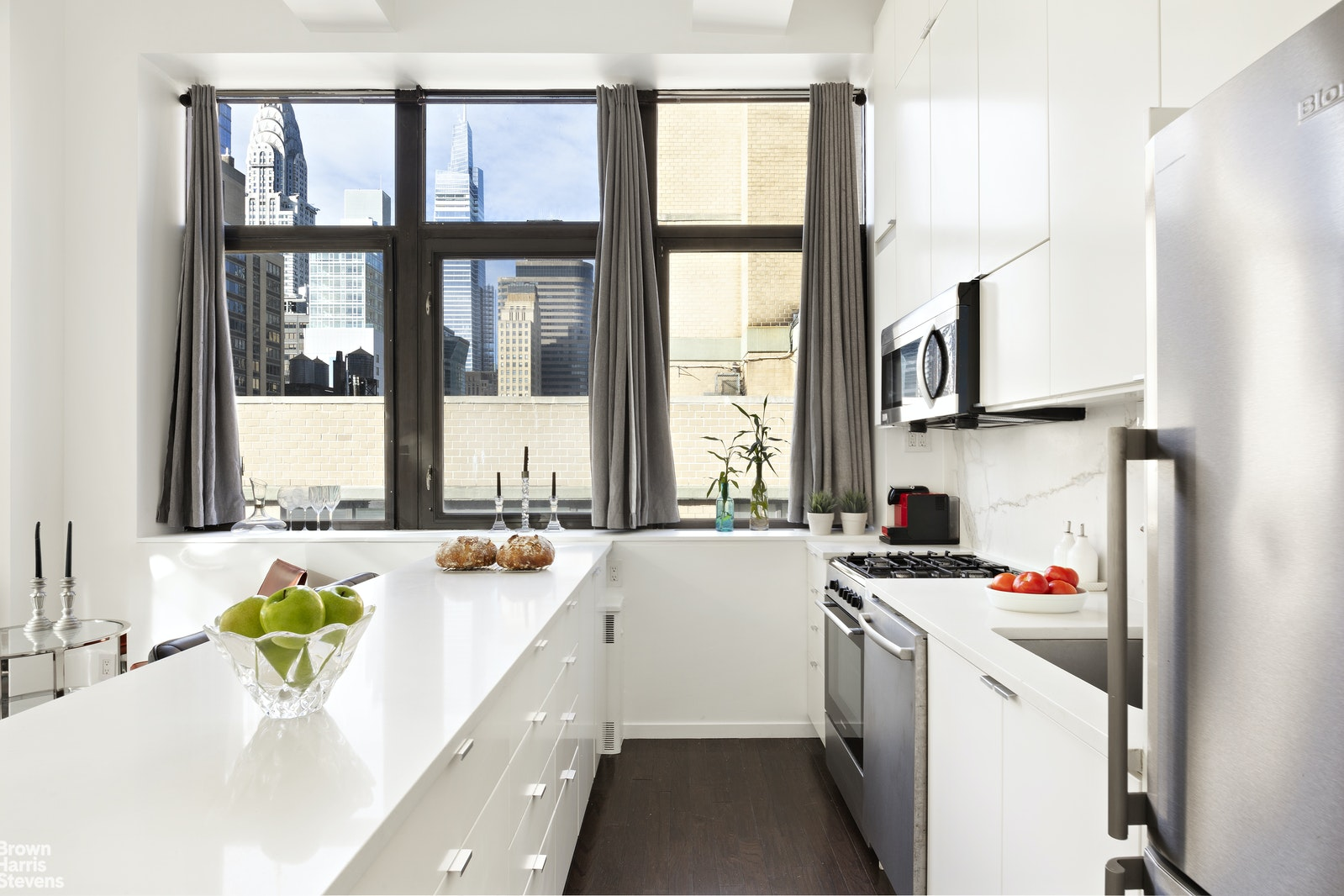 310 East 46th Street 17V, Midtown East, NYC, $995,000, Web #: 20546944