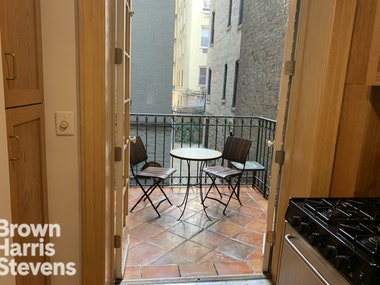 1 BEDROOM WITH A PRIVATE TERRACE