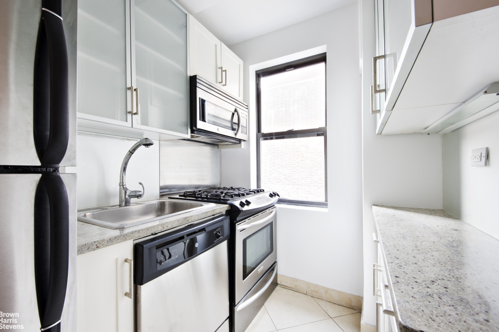 231 East 76th Street 4D, Upper East Side, NYC, $3,150, Web #: 20667786