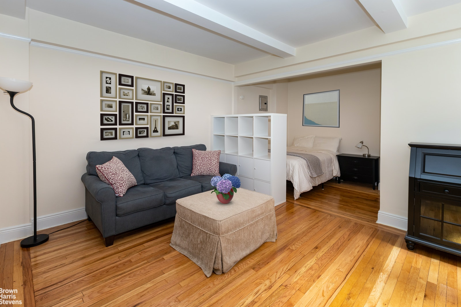 155 East 49th Street 8G, Midtown East, NYC, $425,000, Web #: 20698826