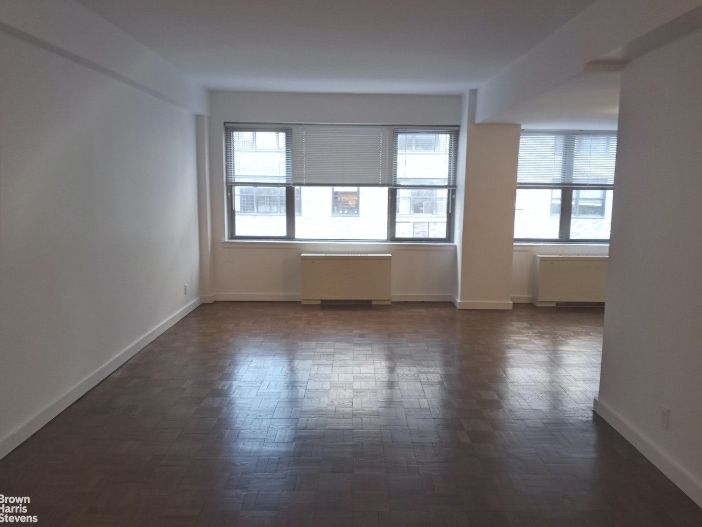 210 East 58th Street 10J, Midtown East, NYC, $2,200, Web #: 20710589