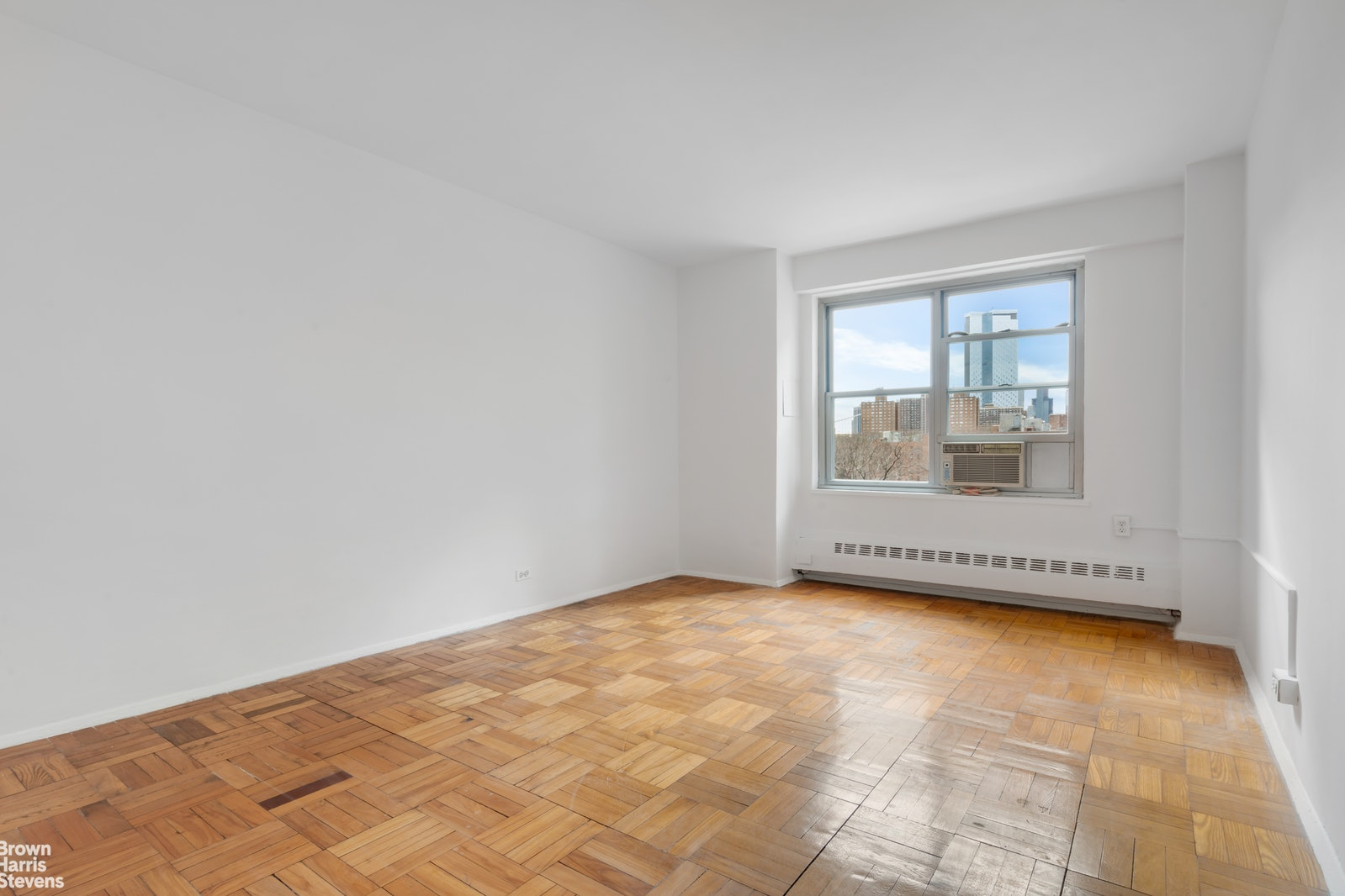 455 FDR Drive, Lower East Side, NYC, $749,000, Web #: 20763437