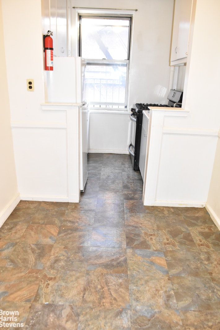 160 Bennett Avenue 6D, Upper Manhattan, NYC, $1,825, Web #: 20777603