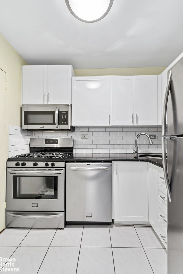 245 East 25th Street, Gramercy Park, NYC, 10010, $650,000, Property For Sale, Halstead Real Estate, Photo 3