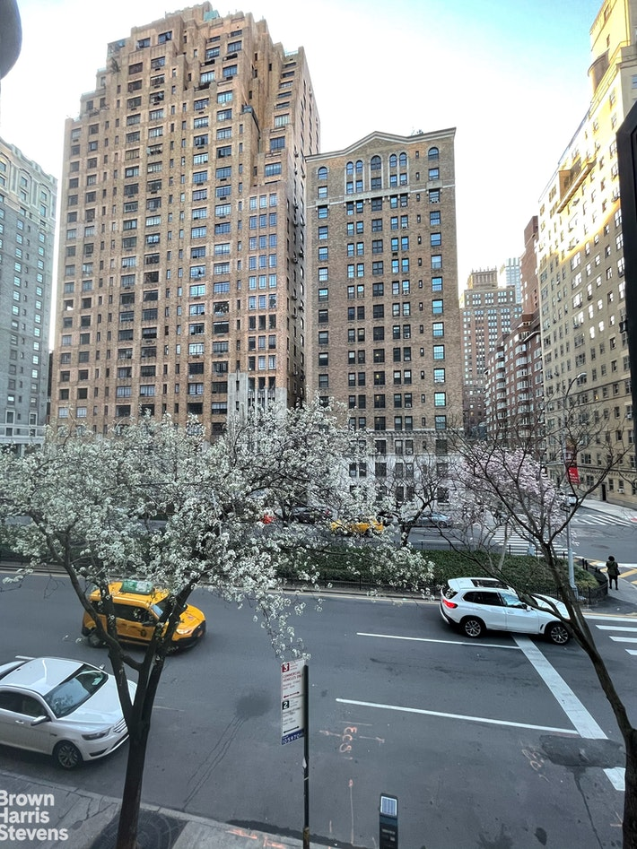 17 Park Avenue 302, Midtown East, NYC, $4,700, Web #: 20814166