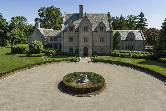 15 Reynwood Manor, Greenwich, Connecticut, 06831, $8,275,000, Property For Sale, Halstead Real Estate, Photo 4