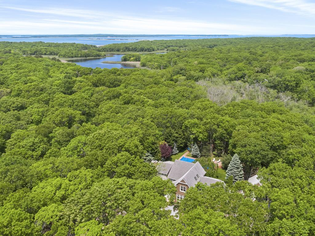 14 Hickory CT, East Hampton, NY, 11937, $1,995,000, Property For Sale, Halstead Real Estate, Photo 4