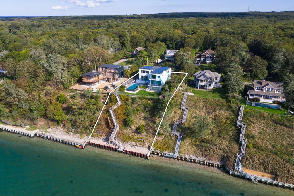 31 Clearview Drive, Sag Harbor, NY, 11963, $9,950,000, Property For Sale, Halstead Real Estate, Photo 2