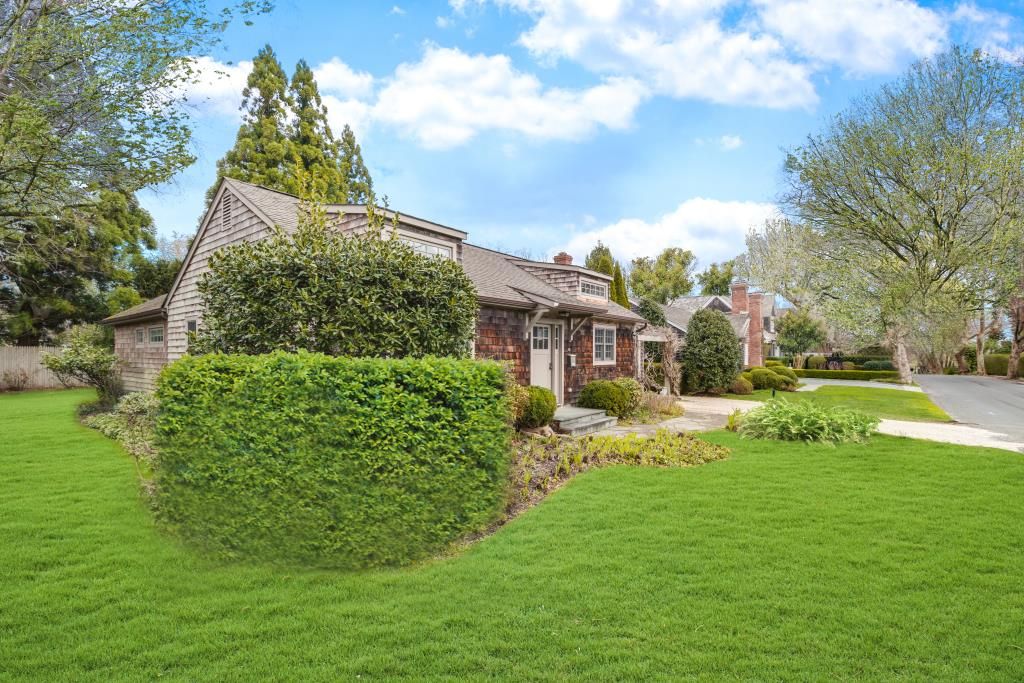 28 Mill Hill Lane, East Hampton, NY, 11937, $1,895,000, Property For Sale, Halstead Real Estate, Photo 2