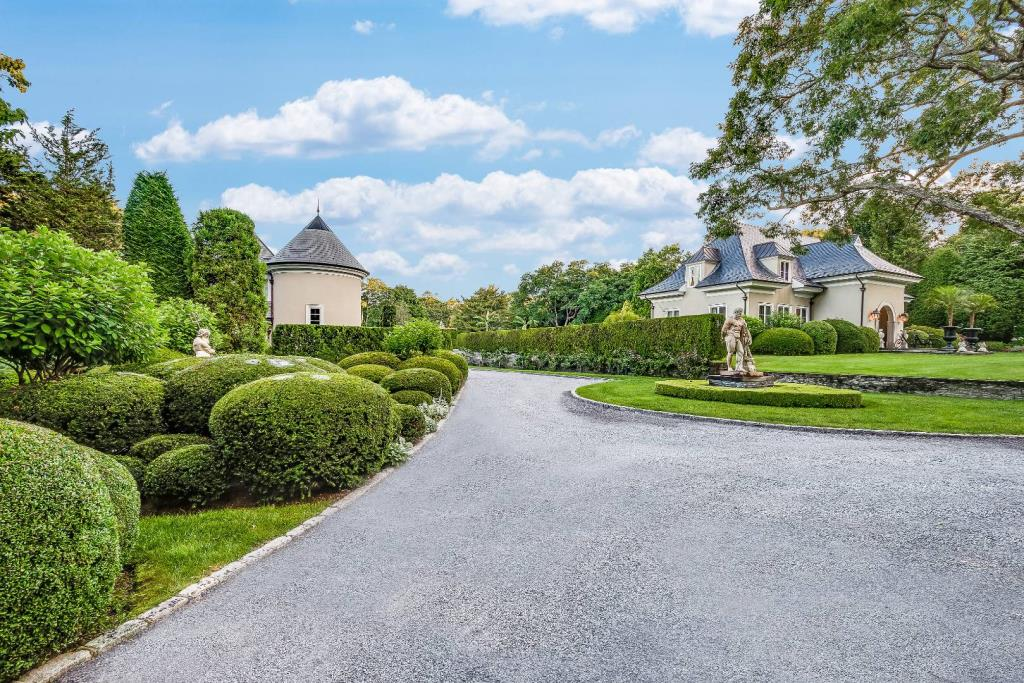 145 Accabonac Road, East Hampton, NY, 11937, $8,500,000, Property For Sale, Halstead Real Estate, Photo 2