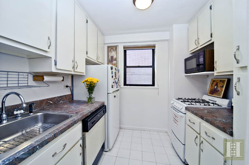330 Third Avenue, Gramercy Park, NYC, $2,500, Web #: 11375343